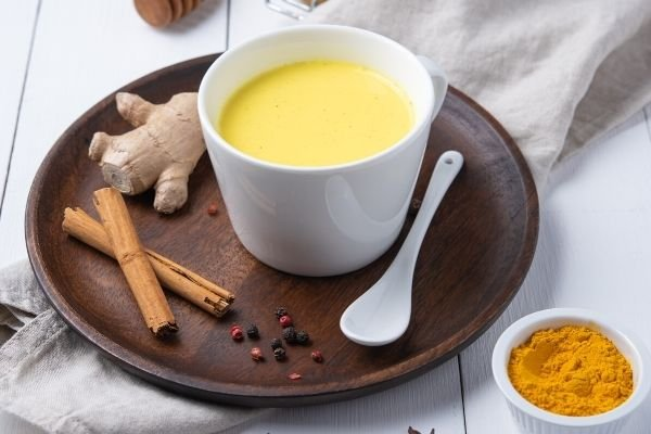 fall-drinks-turmeric-latte-recipe