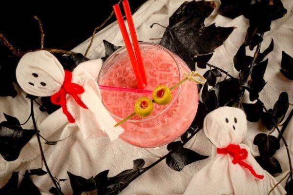 alcoholic-halloween-drinks-halloween-cocktails