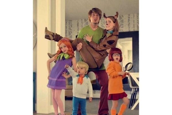 scooby-doo-family-halloween-costumes