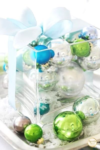 easy Christmas table centerpiece