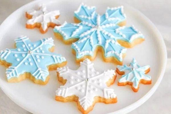 easy snowflake cookies