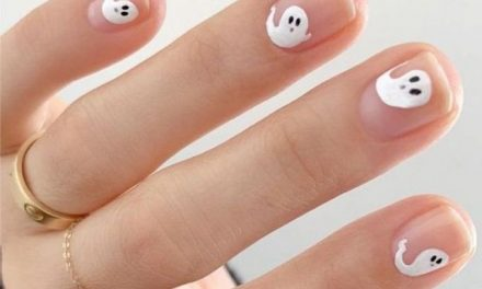 15 Devilishly Easy Halloween Nails You Can Copy