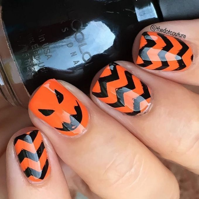 black orange chevrons simple Halloween nails design