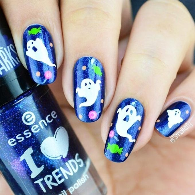 fun ghosts cute Halloween nails designs