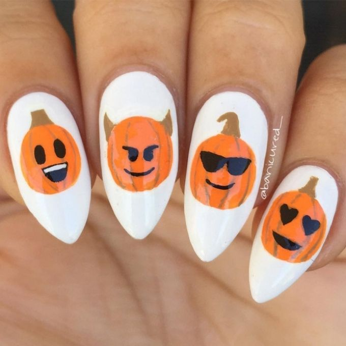 pumpkin emoji Halloween simple nail ideas