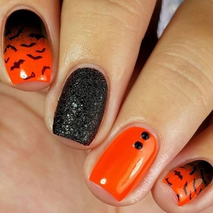 easy Halloween nails black orange ombre