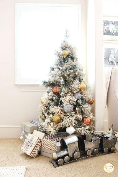 gold glitter small christmas tree idea