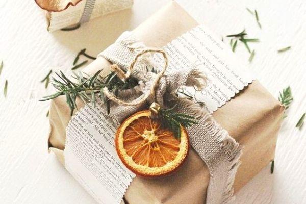 dried DIY orange citrus eco friendly gift wrapping idea