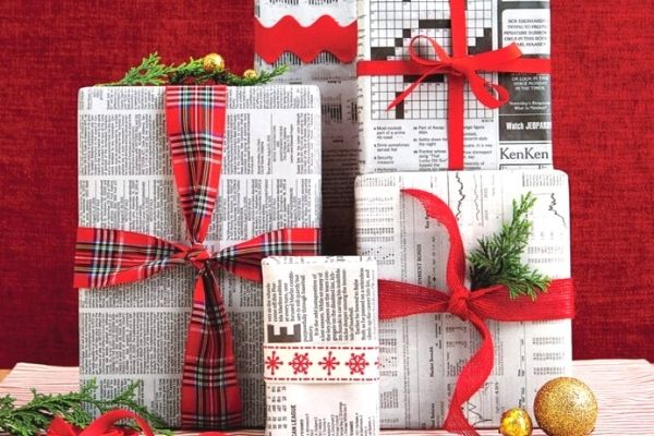 christmas gifts wrapped in newspaper for eco friendly idea