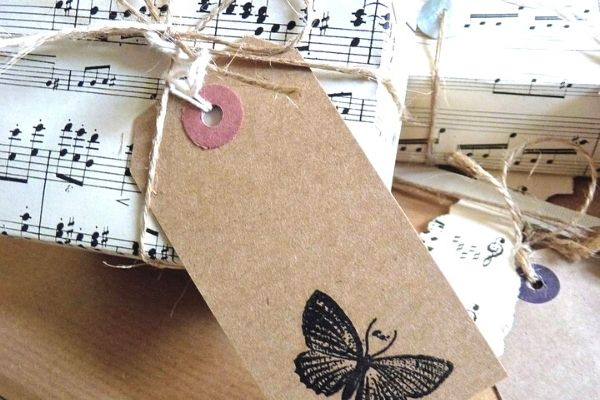 sheet music gift wrapping idea