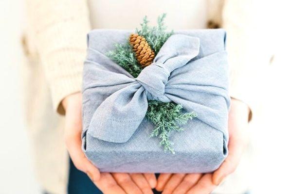 furoshiki gift wrap idea eco friendly
