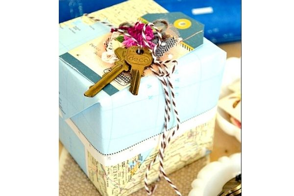 map gift wrapping zero waste christmas gift