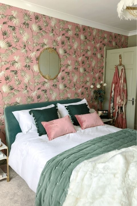 vintage 1930's 1940's art deco bedroom with old wallpaper